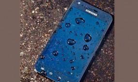 अगर फोन पानी में गिर गया हो तो घबराएं नहीं, आजमाएं ये आसान से ट्रिक्स