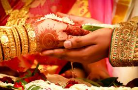 सुप्रीम कोर्ट की केन्द्र को सलाह- शादी से जुड़े सभी खर्चें बताना करें अनिवार्य