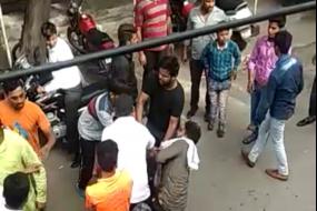 लव जिहाद : गाजियाबाद में लव मैरिज करने गए युवक को दौड़ा दौड़ाकर पीटा