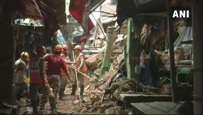 पं. बंगाल : सियालदह में गिरी 100 साल पुरानी बिल्डिंग, 2 लोगों की मौत, रेस्क्यू जारी