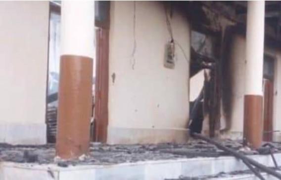 POK: लड़कियां न कर सके पढ़ाई इसलिए लगा दी 12 गर्ल्स स्कूलों में आग
