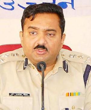 भ्रष्टाचार के आरोपी आईपीएस मयंक जैन सेवा से हटाए गए