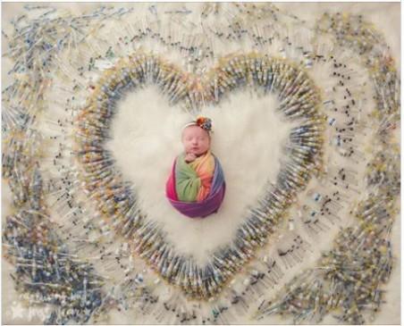 OMG ! मां ने बच्चे को हजारों सुइयों से घेरा और फिर पूरी की अपनी ख्वाहिश