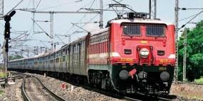 रक्षाबंधन के मौके पर मध्य रेलवे ने रद्द किया था लोकल ट्रेन का मेगा ब्लॉक, नहीं हुई परेशानी