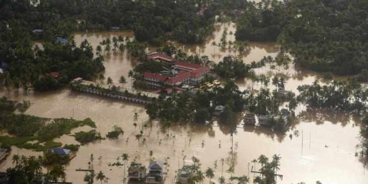 केरल की बाढ़ को केन्द्र ने घोषित किया 'गंभीर प्रकृति की आपदा', वित्त मंत्री ने की ये बड़ी घोषणा