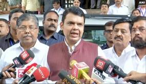 मराठा आरक्षण पर राजी महाराष्ट्र सरकार, सीएम फडणवीस ने की हिंसा न करने की अपील