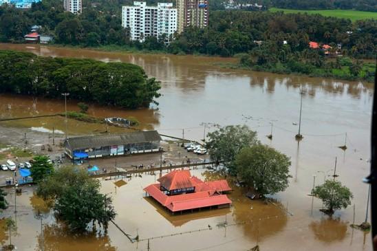 केरल बाढ़ पीड़ितों के लिए कांग्रेस विधायक और सांसद देंगे एक-एक माह का वेतन