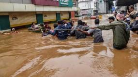 केरल: बाढ़ के बाद गंभीर बीमारियों से निपटने के लिए केन्द्र ने की ये तैयारियां