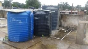 मरीजों को दूषित पानी पिला रहा अस्पताल प्रबंधन, बरसात में भी साफ नहीं हुई पानी की टंकीयां