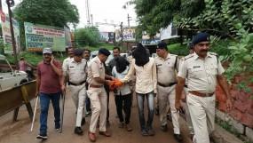 अमराडांड जंगल गैंगरेप : फरार आरोपियों को पुलिस ने कटनी रेलवे स्टेशन से दबोचा, निकाला जुलूस