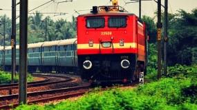 केरल बाढ़ पीड़ितों के लिए रेलवे करेगा आवश्यक सामग्री की नि:शुल्क बुकिंग