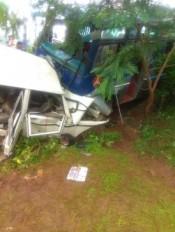 मंडला : बस-जीप भिड़त में एक की मौत, डेढ़ दर्जन से अधिक घायल