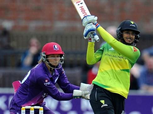 वुमन्स क्रिकेट सुपर लीग 2018: मंधाना बनी टूर्नामेंट में सबसे ज्यादा रन बनाने वाली खिलाड़ी