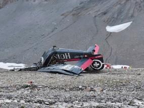 स्विस माउंटेन पर क्रैश हुआ विंटेज प्लेन, 20 लोगों की मौत