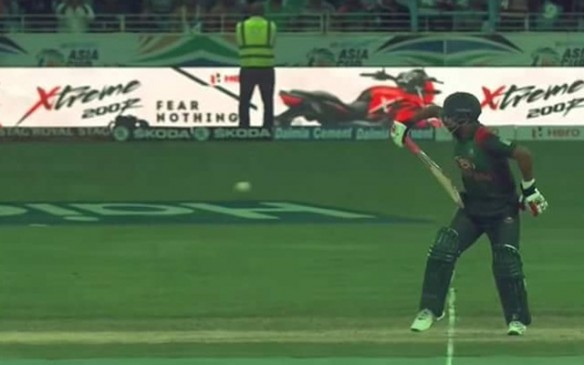 बांग्लादेश ने श्रीलंका को 137 रन से हराया, तमीम ने एक हाथ से बल्लेबाजी कर जीता दिल
