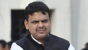 आरक्षण को लेकर घिरी महाराष्ट्र सरकार, सीएम फडणवीस ने की मोहन भागवत से मुलाकात