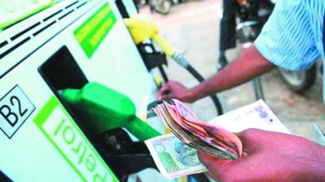 मुंबई के मुकाबले नागपुर में महंगा हैपेट्रोल, टैक्स लग रहा ज्यादा