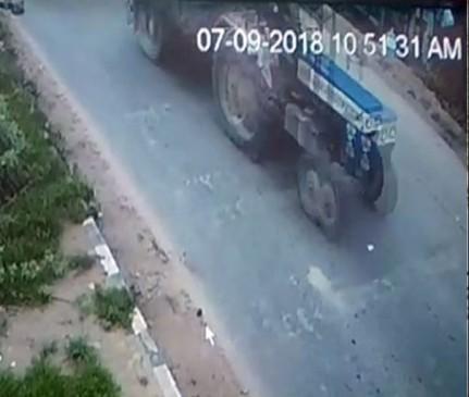 मध्यप्रदेश में फिर खनन माफिया हावी, डिप्टी रेंजर को ट्रैक्टर से कुचला