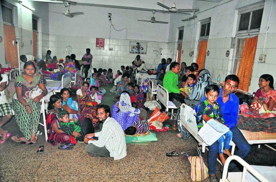 मौसमी बुखार का कहर , वार्ड हाउसफुल आठ हजार मरीज पहुंचे जिला अस्पताल