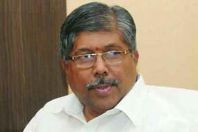 चुनाव न लड़ने के बयान से पलटे मंत्री चंद्रकांत पाटील
