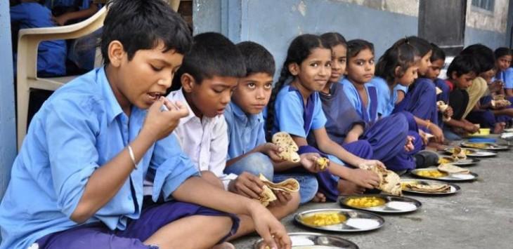 शालेय पोषण आहार का नया मेनू : अब मिलेगा दाल-चावल , बिस्कुट, केला, चिक्की, मुरमुरा और राजगिरे का लड्डू