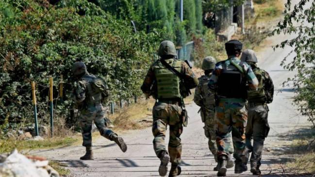 जम्मू-कश्मीर: CRPF के कैंप पर आतंकियों ने फेंका ग्रेनेड, एक जवान घायल