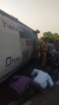 अहमदनगर-पुणे महामार्ग पर भीषण दुर्घटना, 8 की मौत 12 घायल