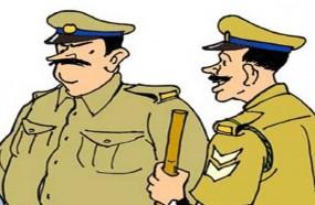 हुक्का पार्लर पर पुलिस की दबिश, दो गिरफ्तार, लाखों का माल बरामद