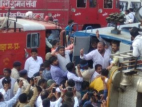 NSUI के राष्ट्रीय अध्यक्ष फिरोज खान गिरफ्तार, कलेक्ट्रेट का घेराव करने निकले थे
