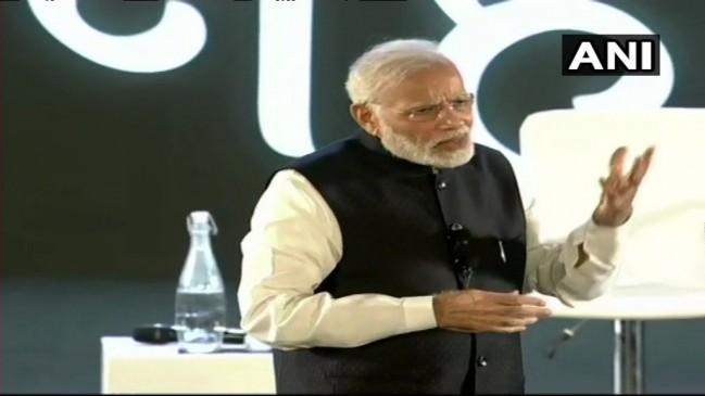 पीएम मोदी ने लॉन्च किया 'मैं नहीं हम' मोबाइल एप, बोले- तकनीक में है भारत की तकदीर