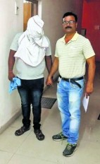 सेक्स रैकेट पर छापा, दो युवतियों को छुड़ाया आरोपी गिरफ्तार