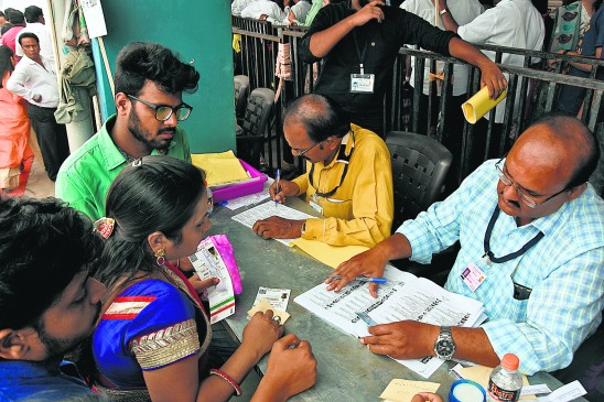 अग्रसेन मंडल चुनाव: बोगस मतदान को लेकर हंगामा, रोकना पड़ा मतदान