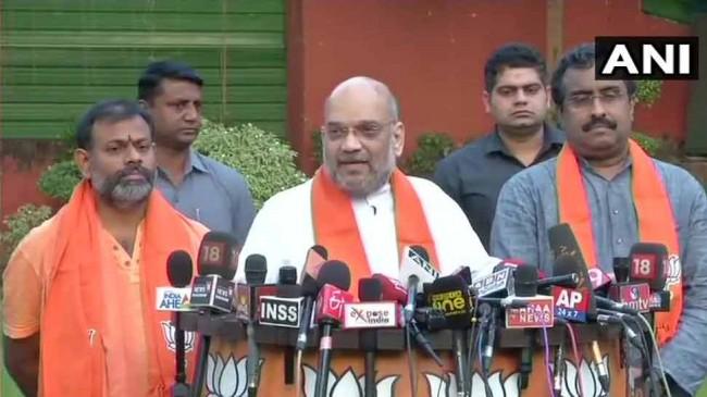 BJP में शामिल हुए स्वामी परिपूर्णानंद, तेलंगाना से लड़ सकते है चुनाव
