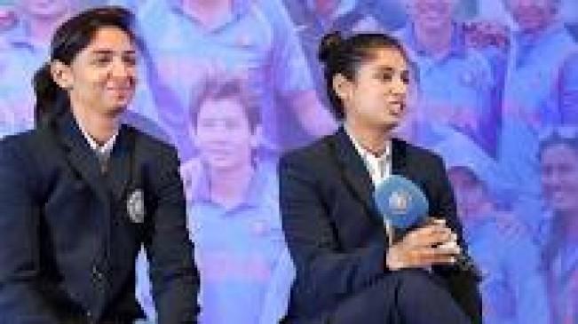 चयन विवाद पर बीसीसीआई के शीर्ष अधिकारियों से मिली हरमनप्रीत, मिताली