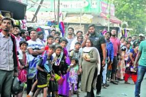 बिग बी की एक झलक पाने को बेताब हुए नागपुर के लोग, शूटिंग स्थल पर लगी भारी भीड़
