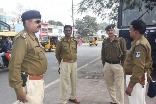 पुलिस के पुख्ता इंतजाम, संवेदनशाील स्थलों पर कड़ी नजर