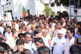 छिंदवाड़ा: कर्ज माफी की शर्तों में किसान को उलझा रही सरकार, भाजपा ने किया प्रदर्शन