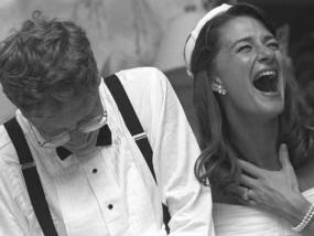 जब बिल गेट्स ने कैल्कुलेशन कर काटा केक, तो जोर से हंस पड़ी पत्नी मेलिंडा, देखें वीडियो