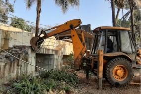 PNB घोटाले के आरोपी नीरव मोदी के बंगले में मिला कीमती सामान, तोड़-फोड़ की कार्रवाई रुकी