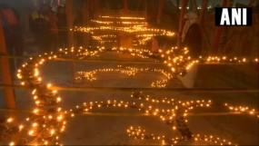 राम मंदिर निर्माण के लिए प्रयागराज में रोजाना जलाए जा रहे 33 हजार दीपक