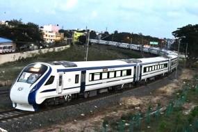 ट्रेन-18 कहलाएगी 'वंदे भारत एक्सप्रेस', शताब्दी एक्सप्रेस से 40 फीसदी ज्यादा होगा किराया