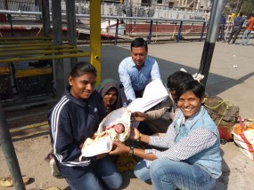नागपुर रेलवे स्टेशन के प्लेटफार्म पर महिला ने दिया बच्चे को जन्म