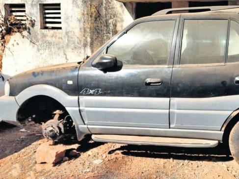 अयोध्या नगर टीआई सुधरवाने लाए थे SUV, चोरों ने कर लिए टायर चोरी