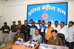 अवैध हथियारों के साथ तीन तस्कर गिरफ्तार, भारी मात्रा में सामान बरामद
