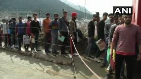 यहां सेना में भर्ती होने पहुंचे जम्मू-कश्मीर के युवा, कभी माना जाता था हिजबुल का गढ़