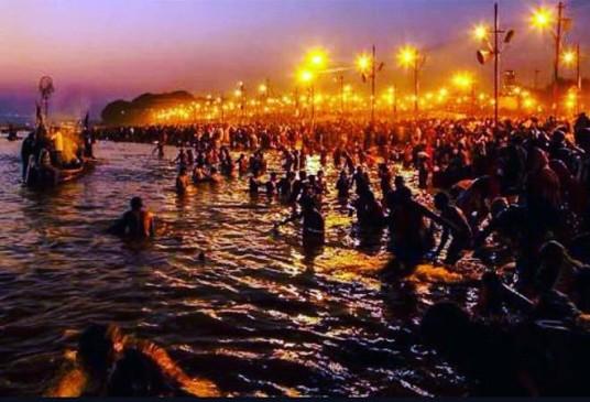 कुंभ : यात्रियों से भरी नाव पलटी, NDRF की टीम ने सभी को सुरक्षित बाहर निकाला