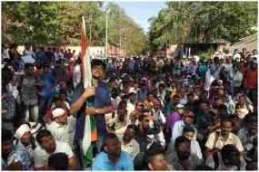 पुणे में मांगों को लेकर सड़क पर उतरे हजारों कर्णबधीर प्रदर्शनकारी, पुलिस ने लाठी भांजकर खदेड़ा