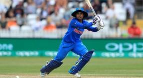 मिताली ने बनाया रिकॉर्ड, 200 वनडे मैच खेलने वाली दुनिया की पहली महिला खिलाड़ी बनीं