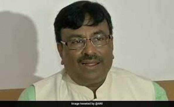 भाजपा नेता मुनगंटीवार का दावा- गठबंधन के लिए शाह ने उद्धव को नहीं किया फोन