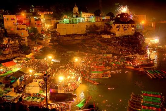 नर्मदा जयंती आज, भगवान शिव ने दिया था जल के रूप में बहने का आदेश